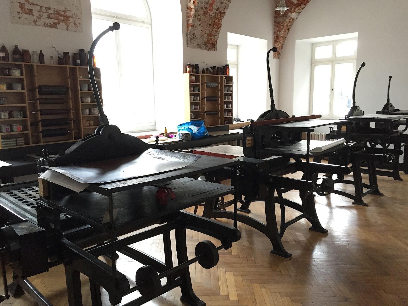 pracownia litografii na Akademii Sztuk Pięknych w Warszawie